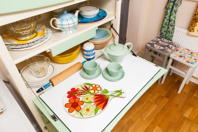 vintage 1940s to 70s kitchenware see our 39 shelfies vintage shop