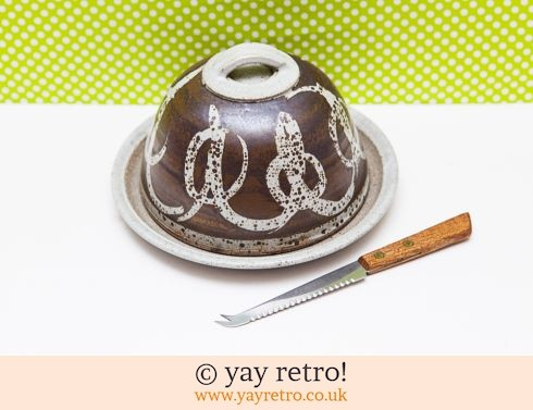 347: Studio Pottery Cheese Dome (£12.00)