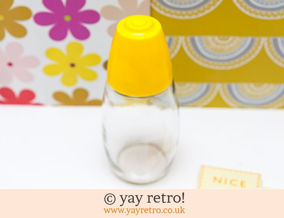 Gemco: Bright Yellow Vintage Sugar Dispenser Shaker (£10.50)
