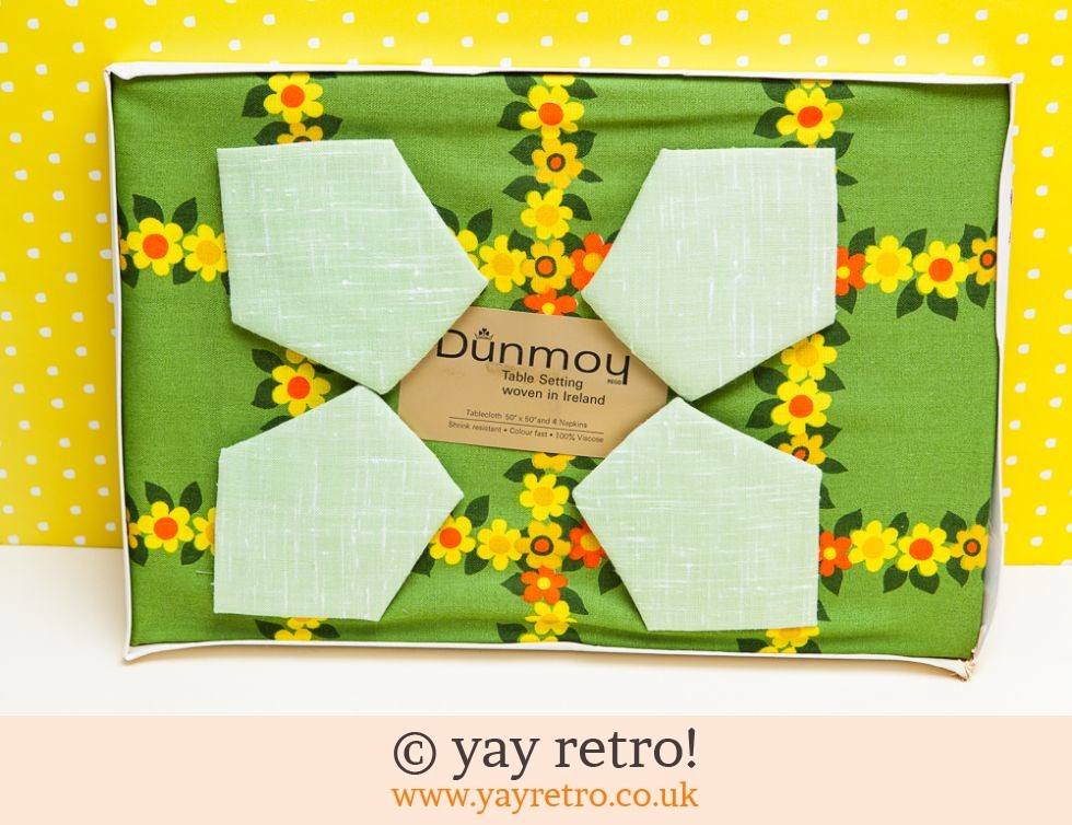 Dunmoy: 1960s Flowery Tablecloth & Napkin set (£19.50)