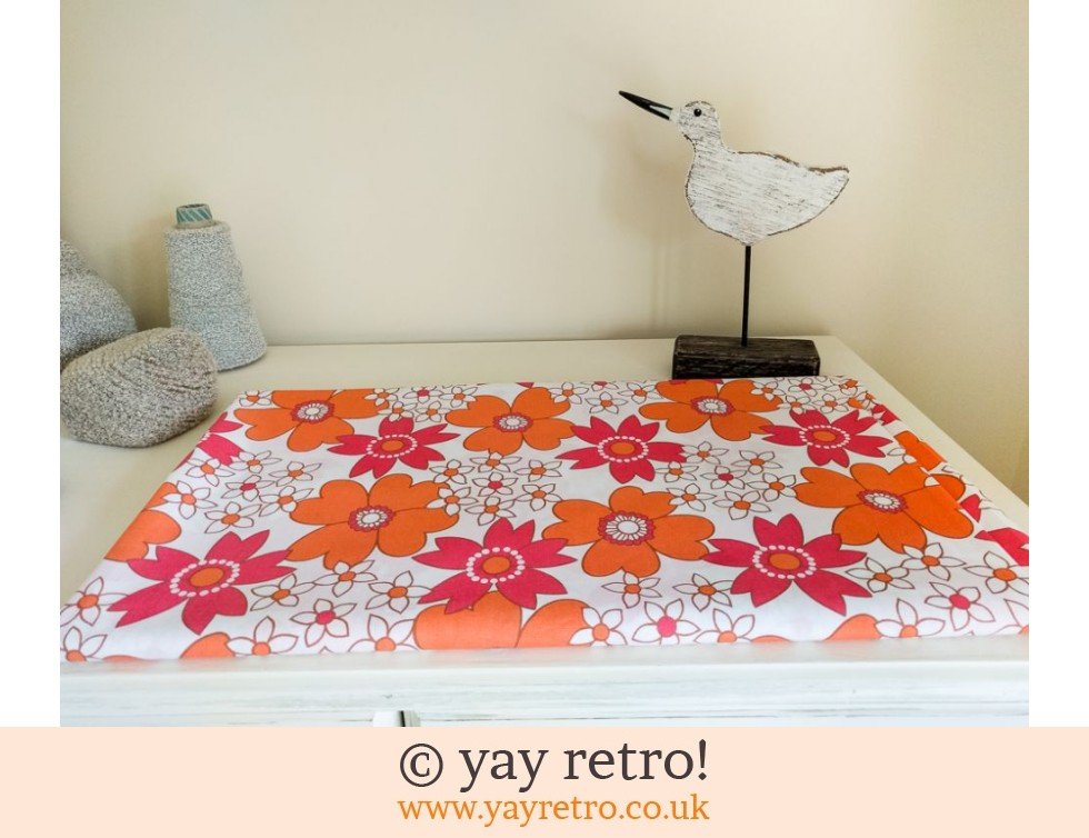 Orange & Pink Daisy Double Vintage Sheet - as new (£25.00)