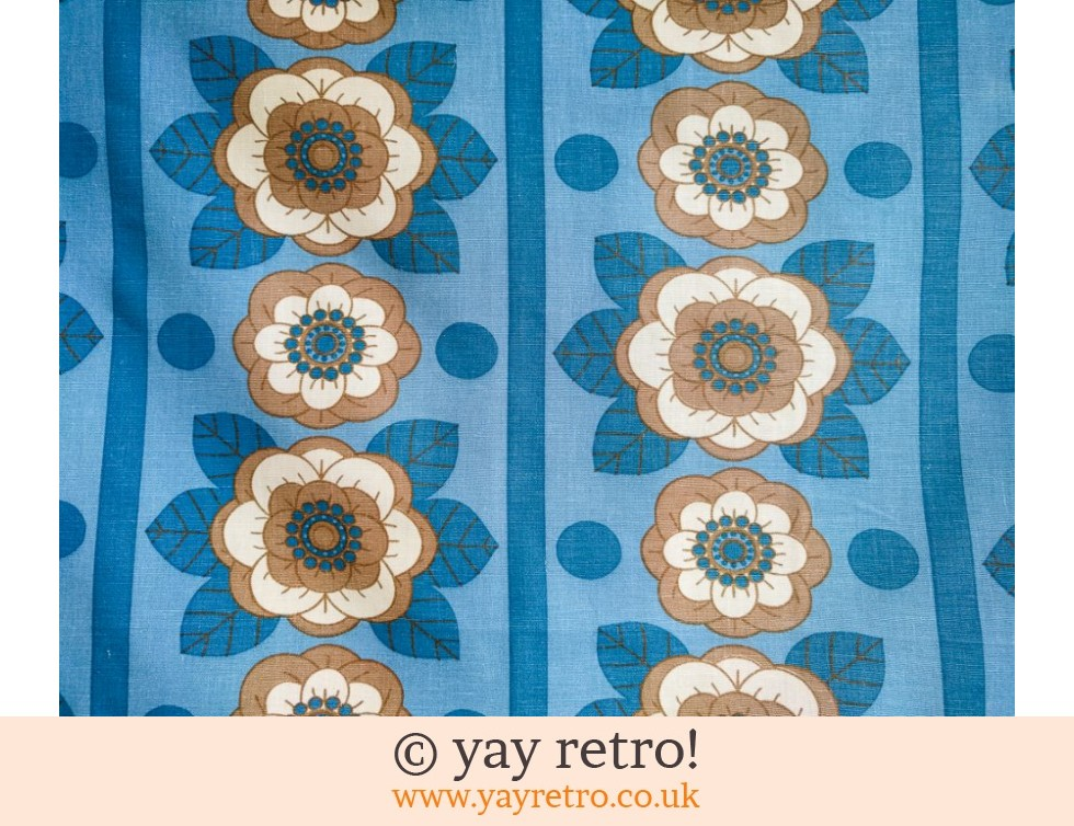 Blue Daisy Vintage Tablecloth (£12.00)