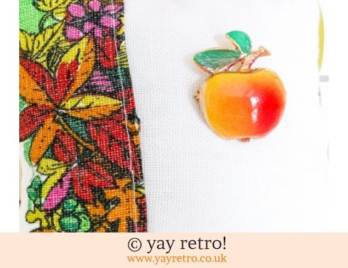 Vintage Apple Brooch on Pin Cushion (£7.00)