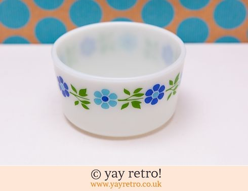 0: Blue Daisy Pyrex Bowl (£12.00)