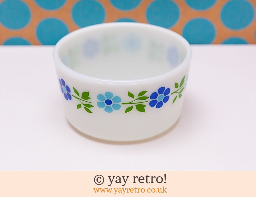 Blue Daisy Pyrex Bowl (£12.00)