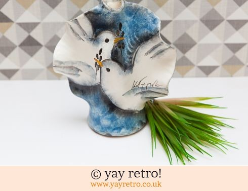 0: Gorgeous Bird Studio Pottery Signed Vase (£10.00)