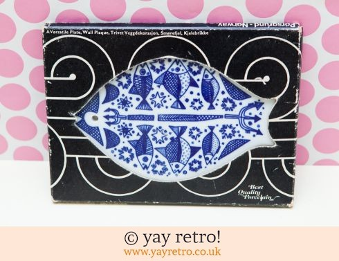 305: Scandi Fish Trivet / Wall Hanging / Plaque 1974 (boxed) (£29.50)