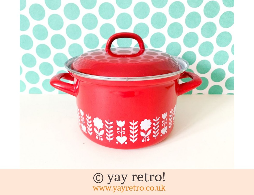 Austria Email: Red Hearts Enamel Pan Medium (£20.00)
