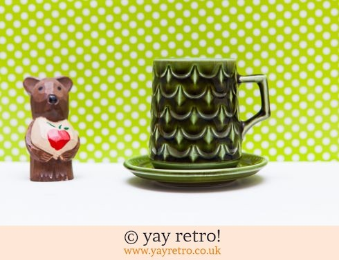 670: Vintage Pineapple Cup & Saucer - Very Rare (£12.95)