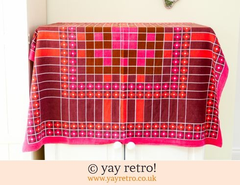 0: Red 60s DaisyTablecloth (£17.00)