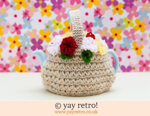 176: Flowery Hand Knit Tea Cosy (£9.00)
