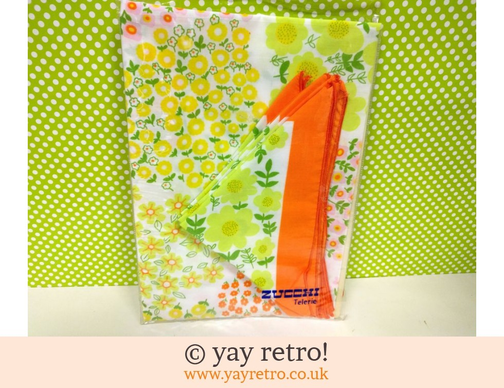 Zucchi Telerie: Orange Flowery Tablecloth & Napkin Set (£14.50)