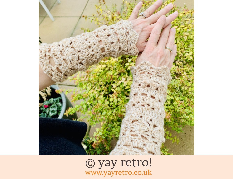 yay retro!: 'Wheat' Crochet Wrist Warmers (£15.00)