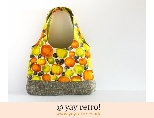 200: Vintage Apple Shoulder Bag (£29.50)