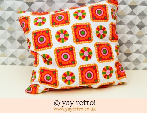 0: Vintage Red Daisy Cushion (£22.00)