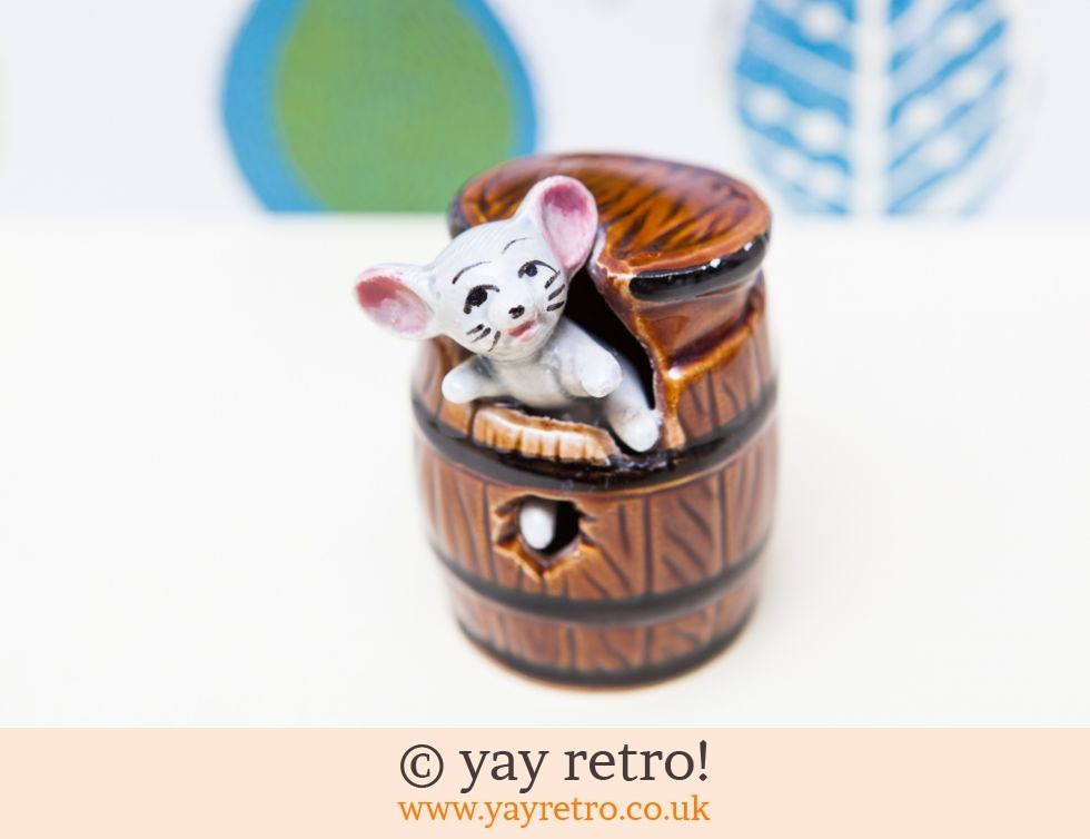 70s mouse in barrel