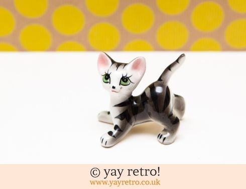 0: Kitsch 50/60s Cat Ornament (£9.99)