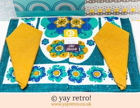 422: 1960/70s Table Mat & Napkin Set (Boxed) (£12.75)