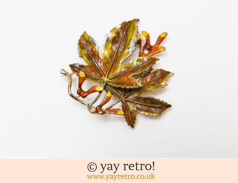 480: Enamel Sycamore Leaf Artwork Brooch (£12.00)