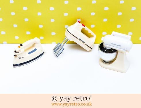 0: Vintage Fridge Magnets - Baking & Ironing (£5.00)