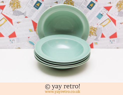 58: 4 Berylware Lipped Dishes (£10.00)