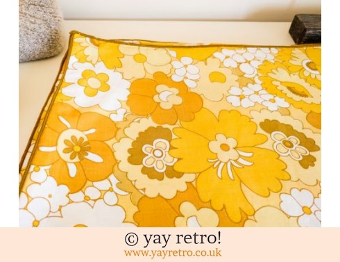 Vintage Flower Power Single Duvet (£18.95)
