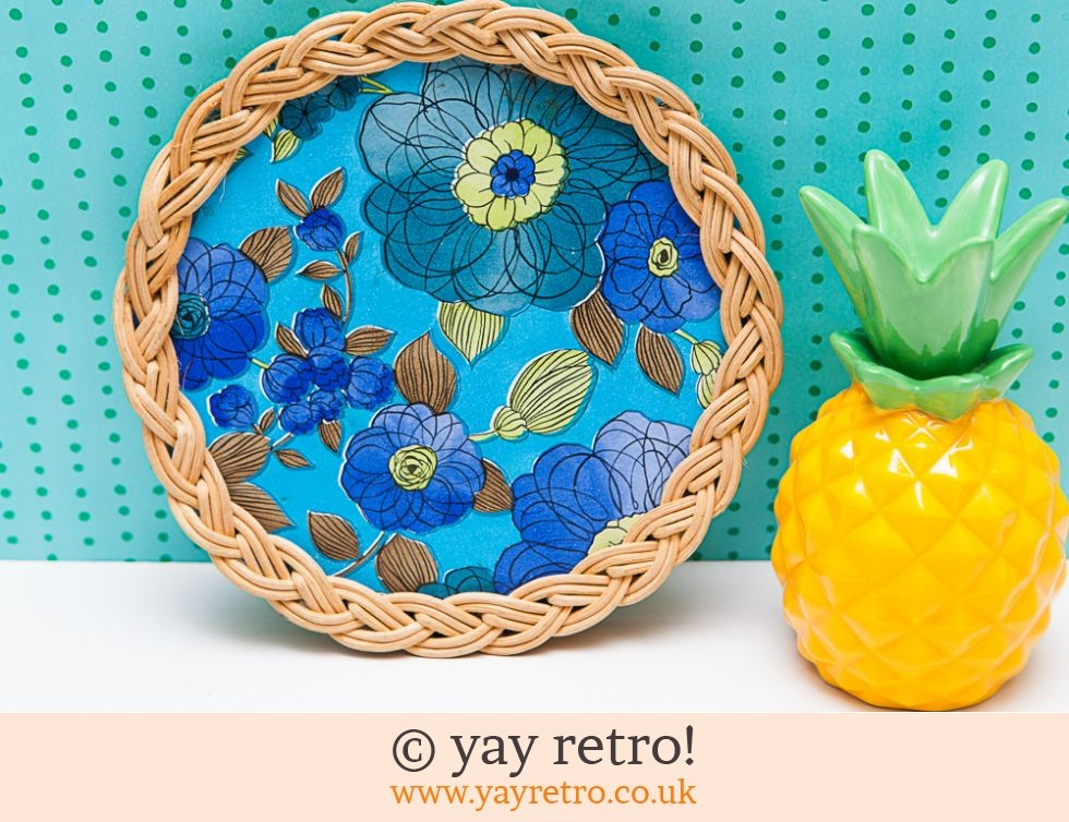 50/60s Wicker Blue Flower Pot Stand (£9.00)