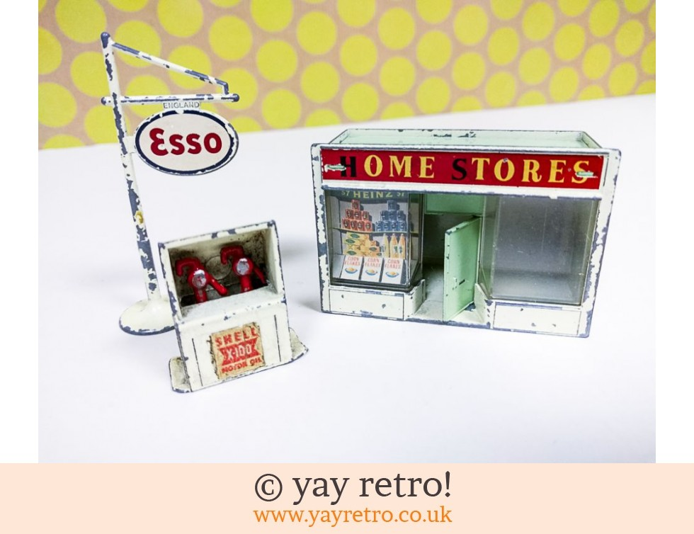 Lesney Matchbox: Lesney Matchbox shop accessory pack no. A5 Home Stores (£20.00)