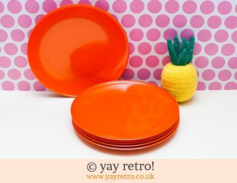 273: Rosti Mepal Orange Dinner Plates x 6 (£17.00)