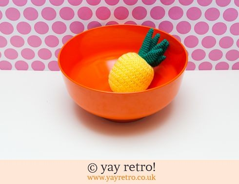 19: Vintage Orange Melamine Mixing Bowl - Large (£10.00)