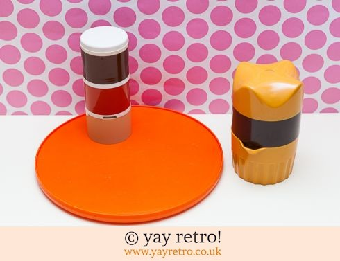 46: Orange Vintage Kitchenware Set (£11.00)