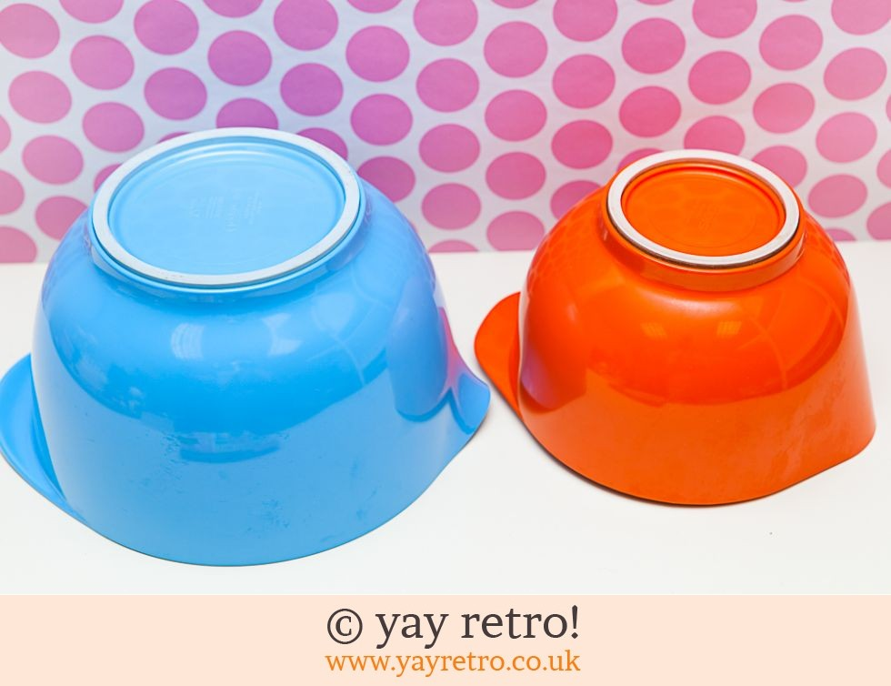 Orange & Turquoise Vintage Melamine Mixing Bowl (£12.75)