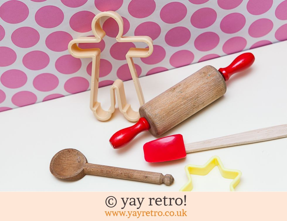 Child's Baking Set (£4.00)