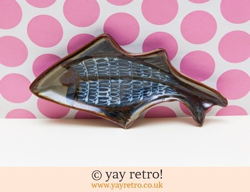 0: Studio Pottery Fish Hand painted (£9.50)