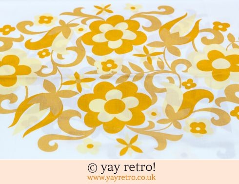 118: Yellow Flower Power Single Sheet 60/70s (£17.50)