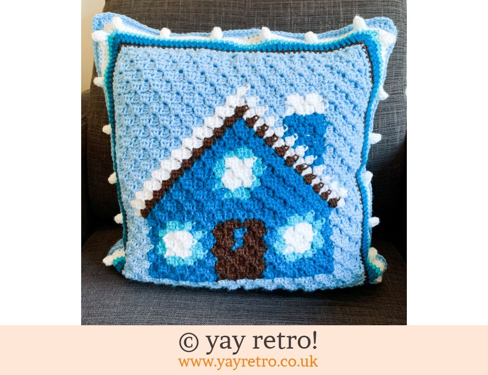 yay retro!: Cute House Crochet Cushion (£32.50)