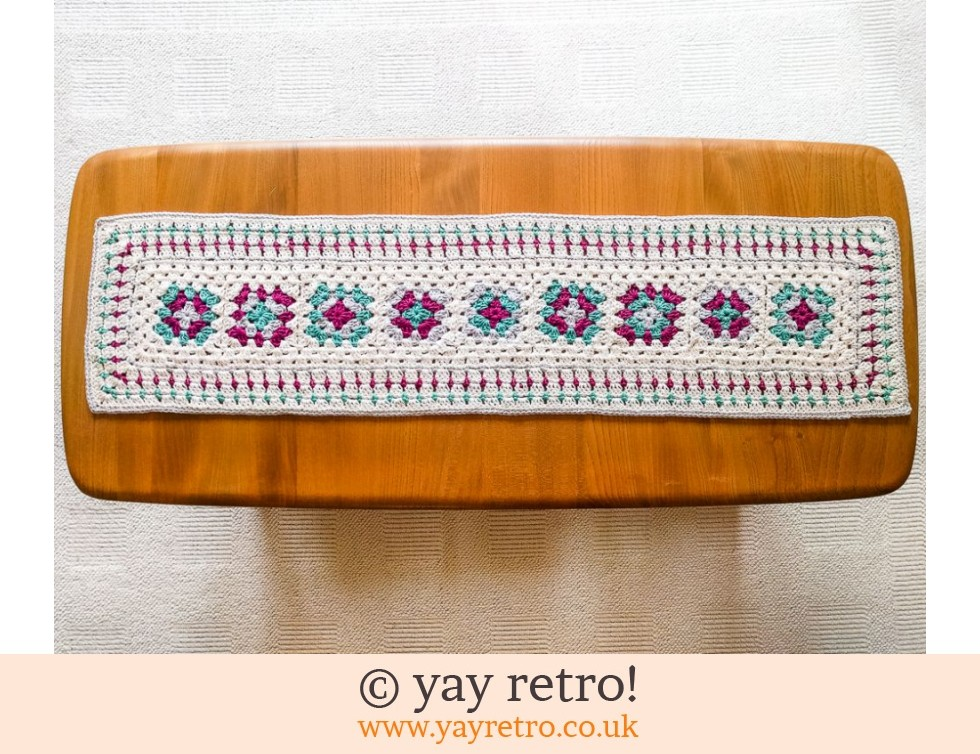yay retro!: Crochet Table Runner 70s styled (£20.00)