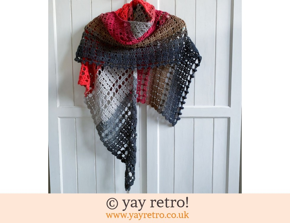 yay retro!: 'Kiss Me' Crochet Shawl (£32.50)