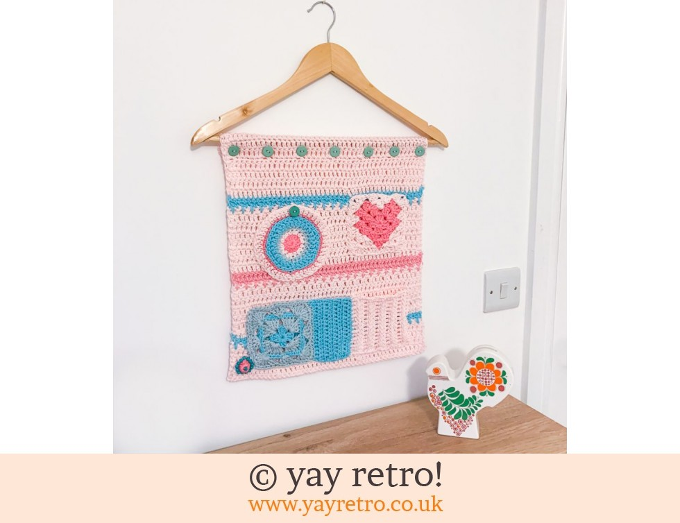 yay retro!: Crochet Pocketed Wall Hanging (£29.50)