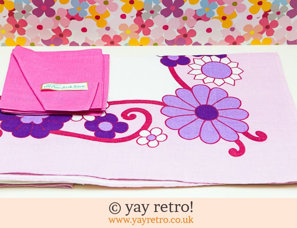 Dunmoy: Incredible 60s Flower Power Tablecloth & Napkin Set (£12.00)