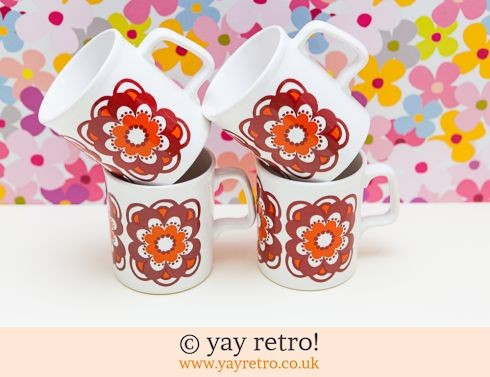 78: Staffordshire Potteries Flower Power Daisy Mugs x 4 (£32.00)