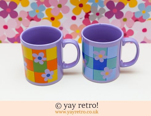 0: Staffordshire Potteries Mugs x 2 Funky (£15.00)