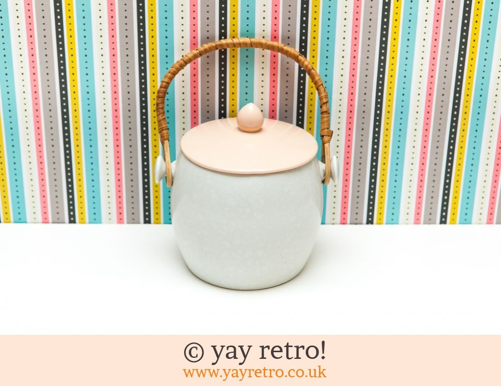 Poole Pottery: Poole Biscuit Barrel Pinky Peach (£22.00)