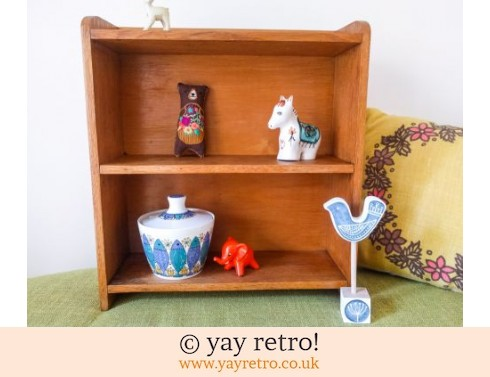 0: Small Vintage Wooden Bookcase (£24.95)
