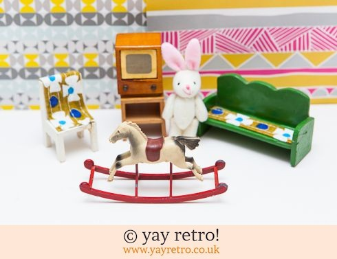 0: Dolls House Vintage Activity Set (£12.00)