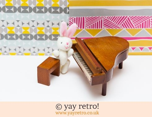 0: Dolls House Furniture Grand Piano Set (£12.00)
