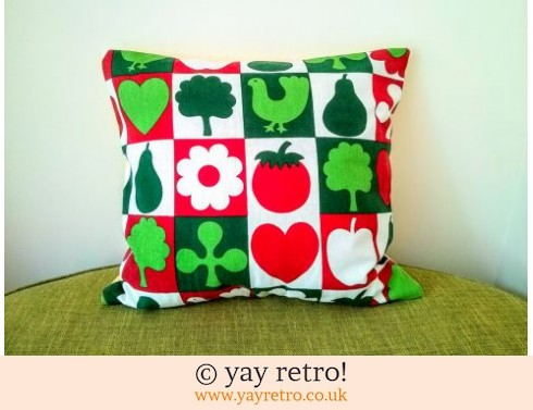 0: Vintage Scandi Red & Green Cushion & Pad (£13.35)