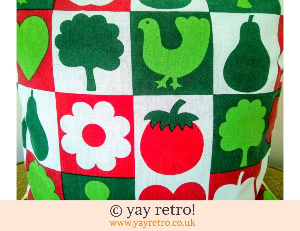 Vintage Scandi Red & Green Cushion & Pad (£13.35)