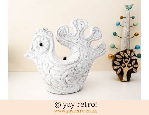 711: Scandi Styled Pottery Bird Money Box (£21.00)