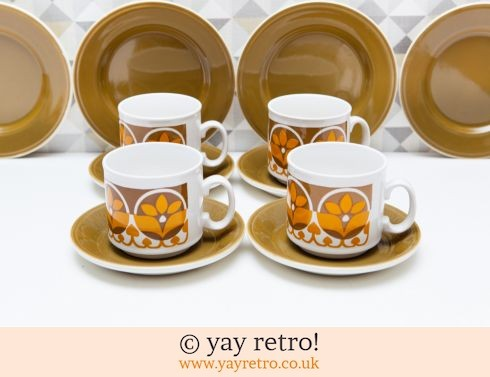 78: Fab Tea Set for 4 - Funky Mustard (£18.00)